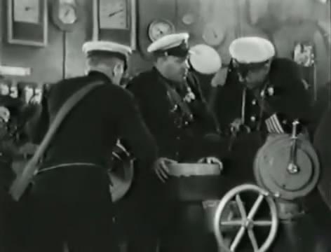 Моряки (1939).mp4_snapshot_01.19.31_[2016.06.02_16.08.45]