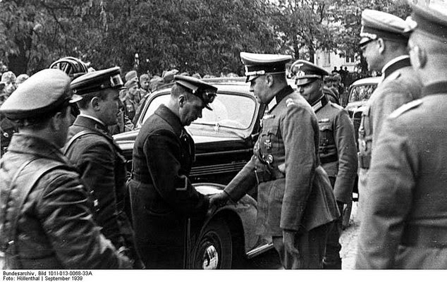 Brest 1939 german soviet fraternizing - 1