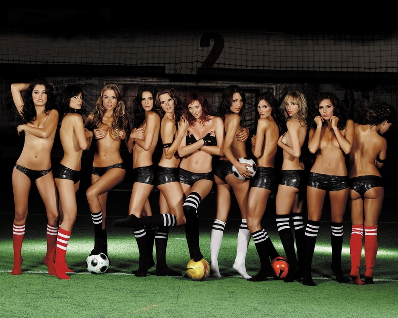 Girls soccer dynamics sports football women females sexy babes b wallpaper