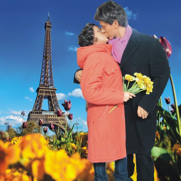 Поцелуй в Париже.jpg