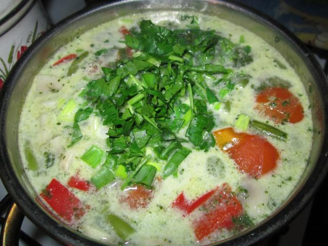 Тайский суп с кокосовым молоком по-вегански