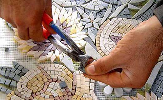 Кто делал своими руками мозаику из