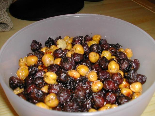 Chickberries or Bluepeas