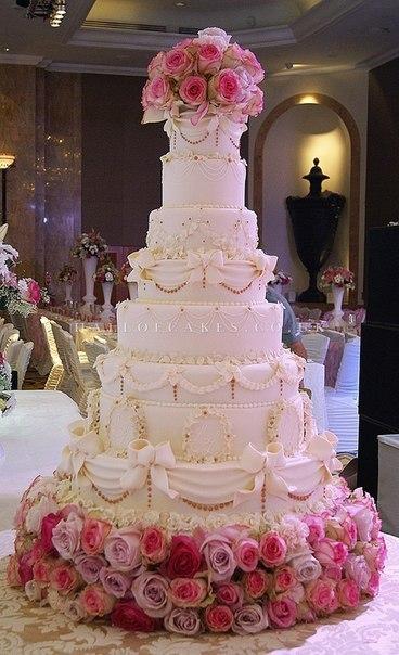 Шикарные торты на свадьбутфото