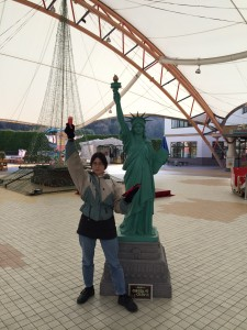Statue of Shopping