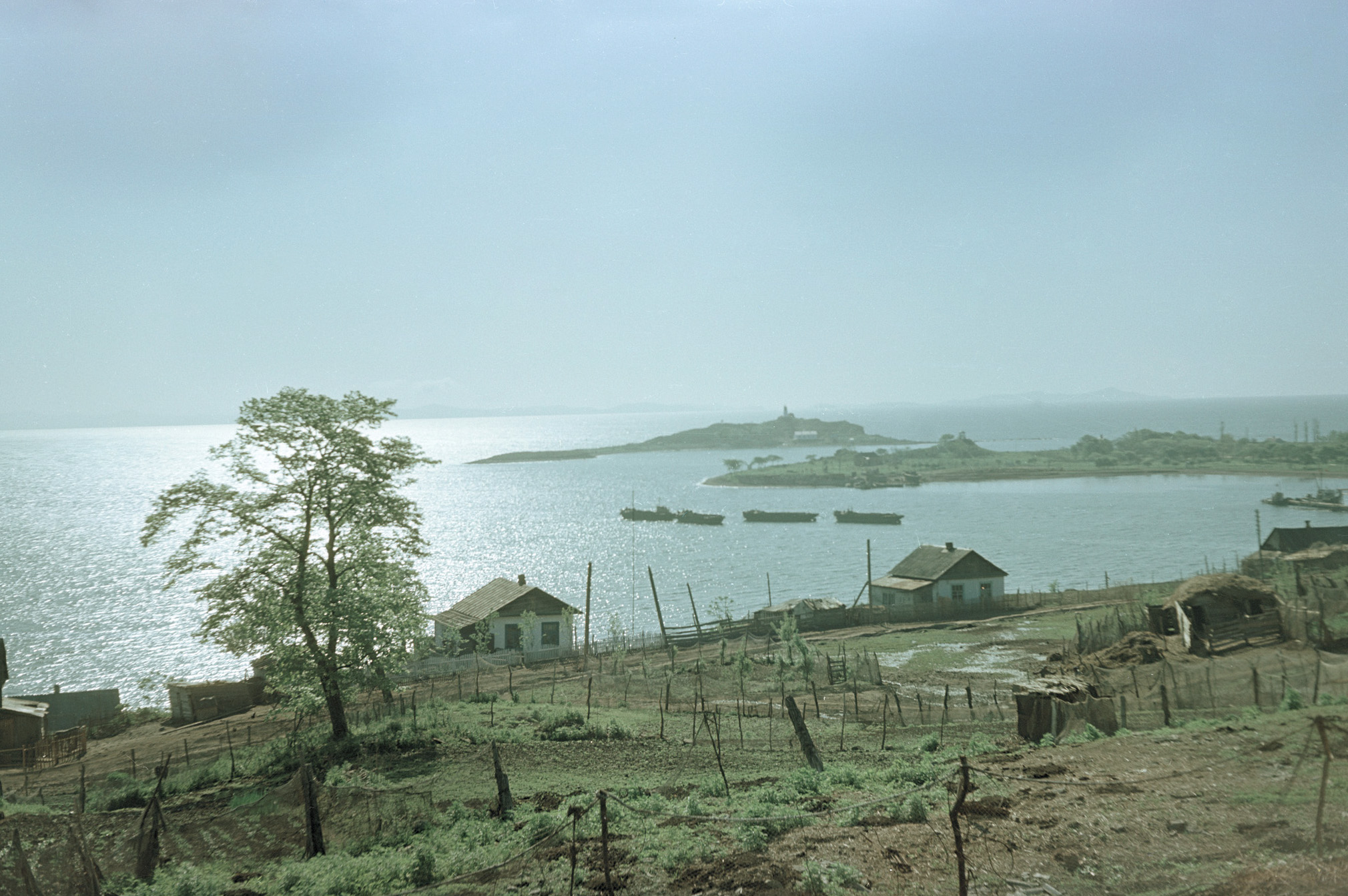 Primorskii krai, ribatskii poselok v buhte Sedimi