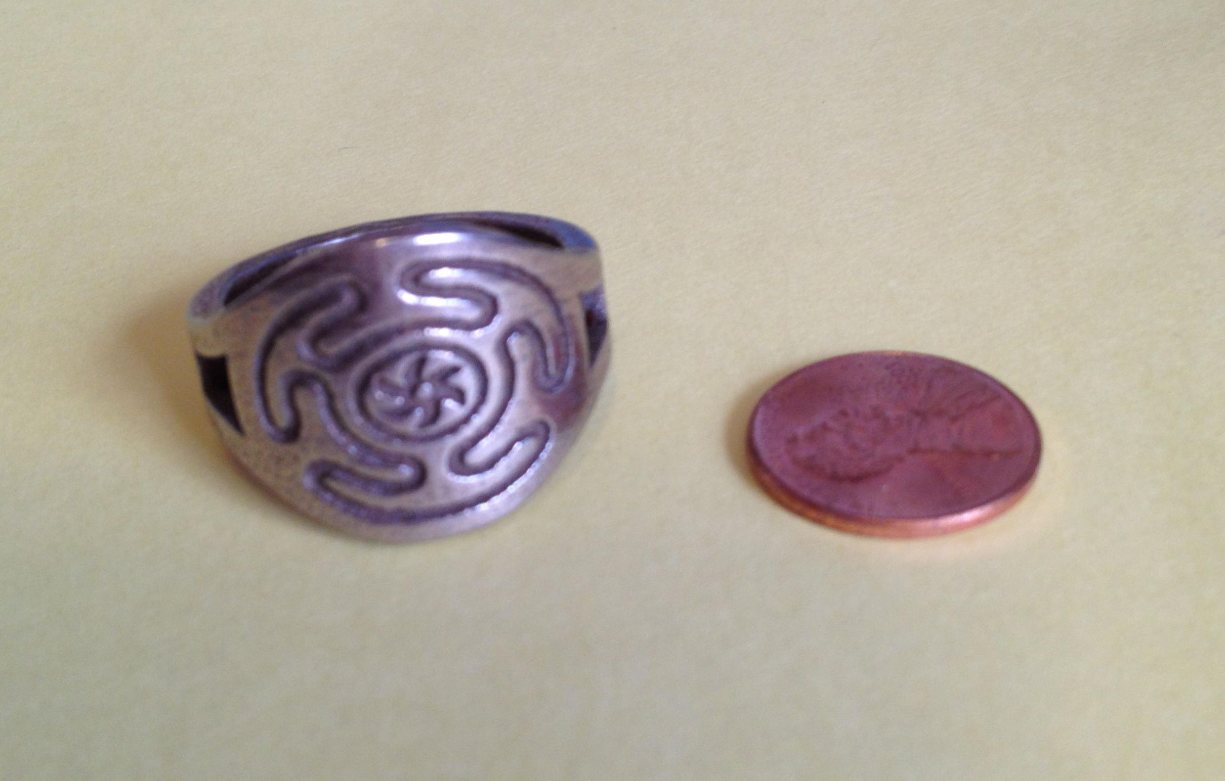hecate's wheel ring