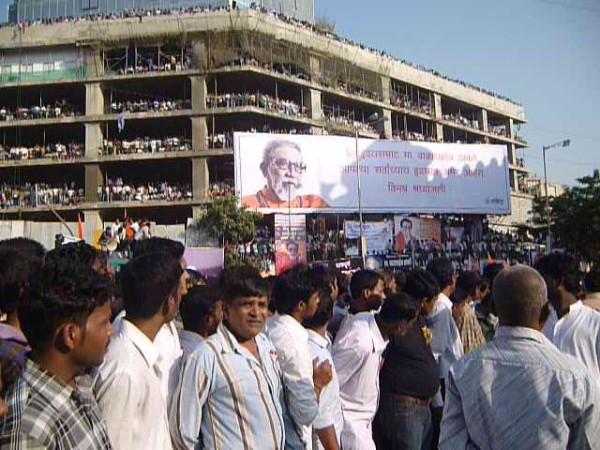 Thackeray Funeral 2