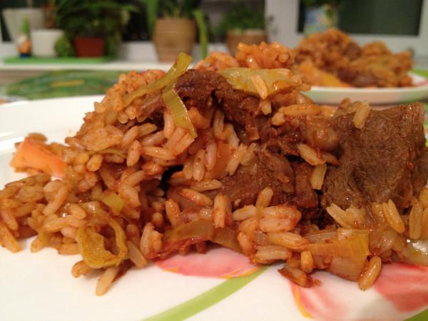 Рис с мясом по-сербски
