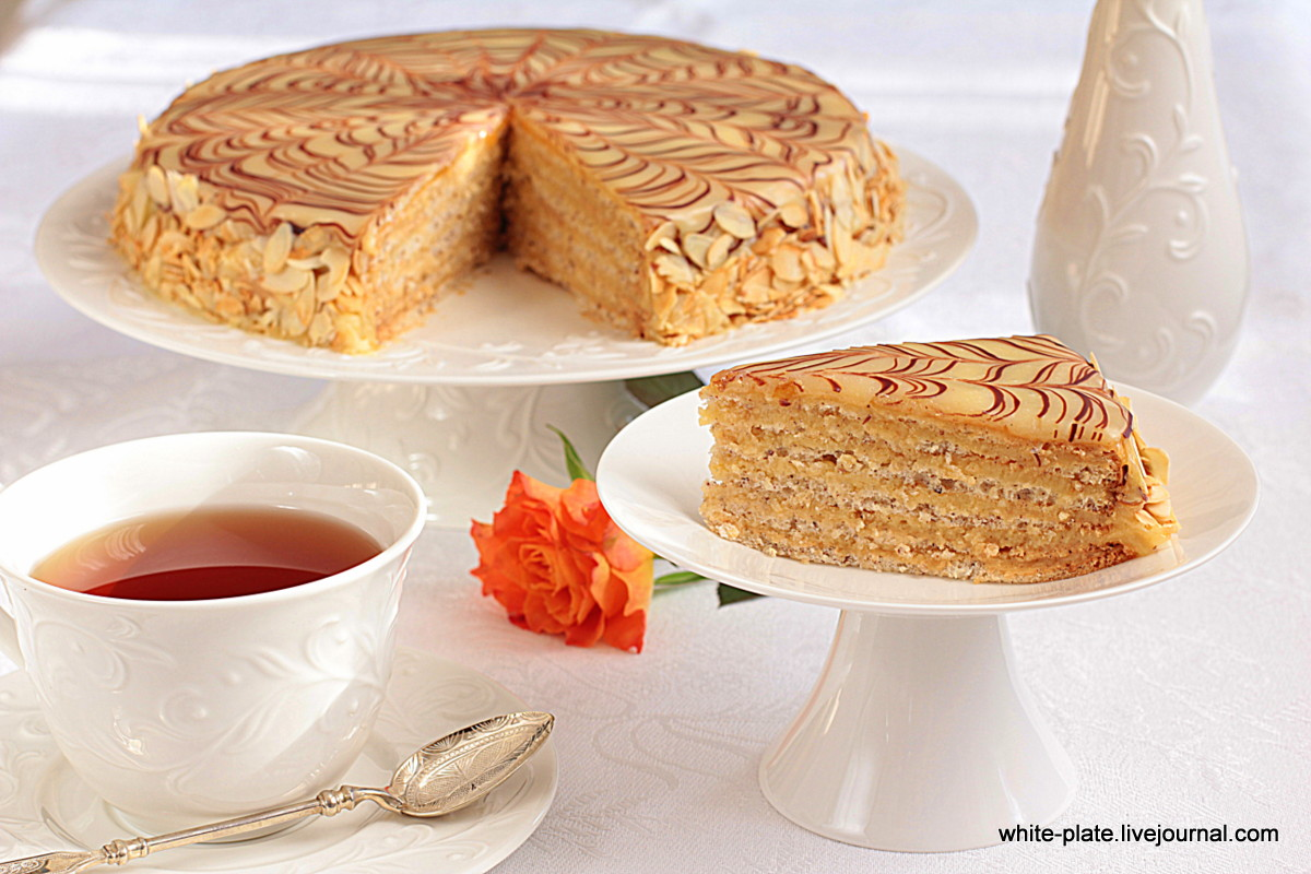 Торт с вишней нежный фото 1