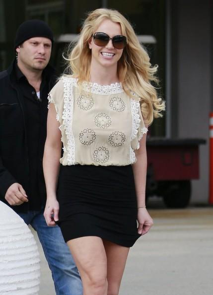 Britney2BSpears2BLeaving2BChurch2BThousand2BOaks2BFKE7yB6zfUal