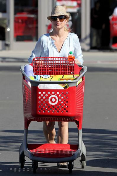 Britney2BSpears2BBritney2BSpears2Bbuys2BSpongeBob2B9Jd9P55FLUEl