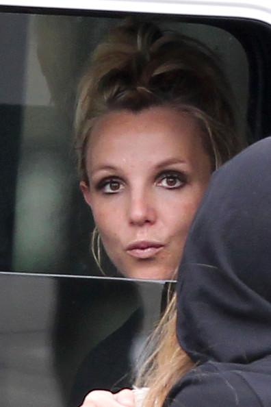 Britney+Spears+Britney+Spears+Chats+Friend+ZpEhIqbaby9l