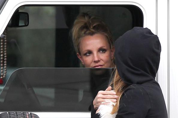 Britney+Spears+Britney+Spears+Chats+Friend+iDMyepCl-3Fl
