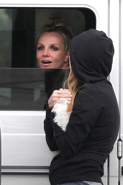 Britney+Spears+Britney+Spears+Chats+Friend+NX5MIvlgUDTl