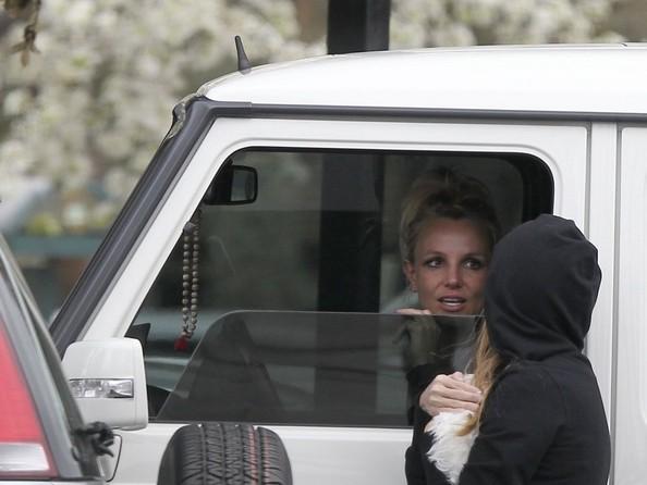 Britney+Spears+Britney+Spears+Drives+Assistant+5LCA_pOSHnql