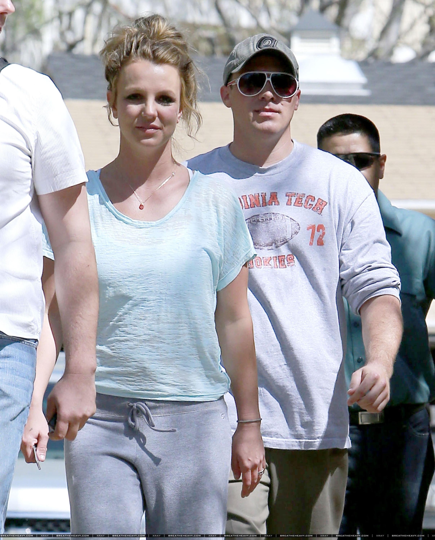 XRAY_Spears_Britney_031613_28229