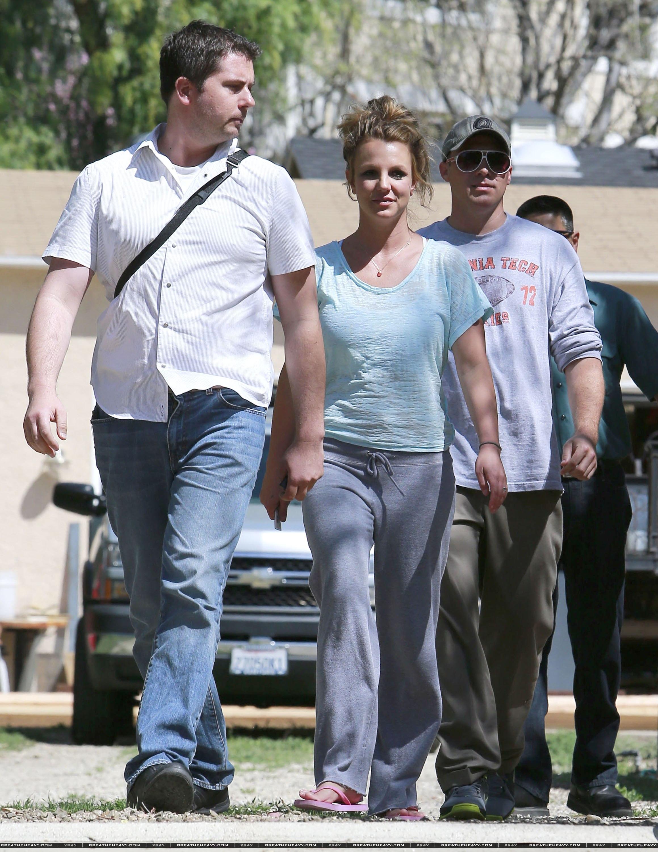 XRAY_Spears_Britney_031613_28329