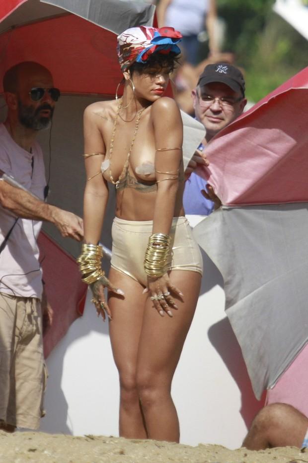 brazil Rihanna topless