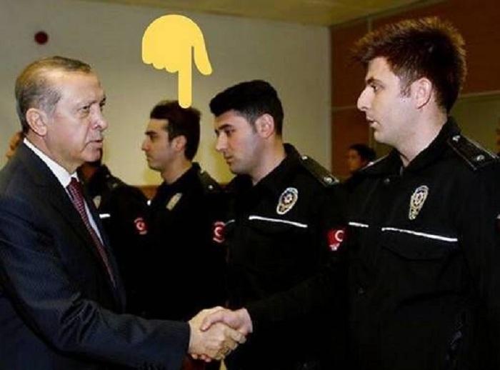 Эрдоган благодарит полицию за борьбу с путчистами