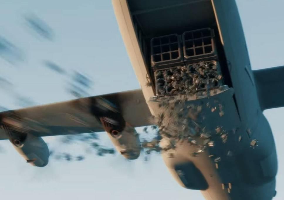 сброс дронов-убийц с самолета