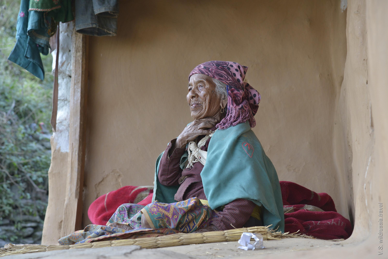 Старуха из Гималайской деревни