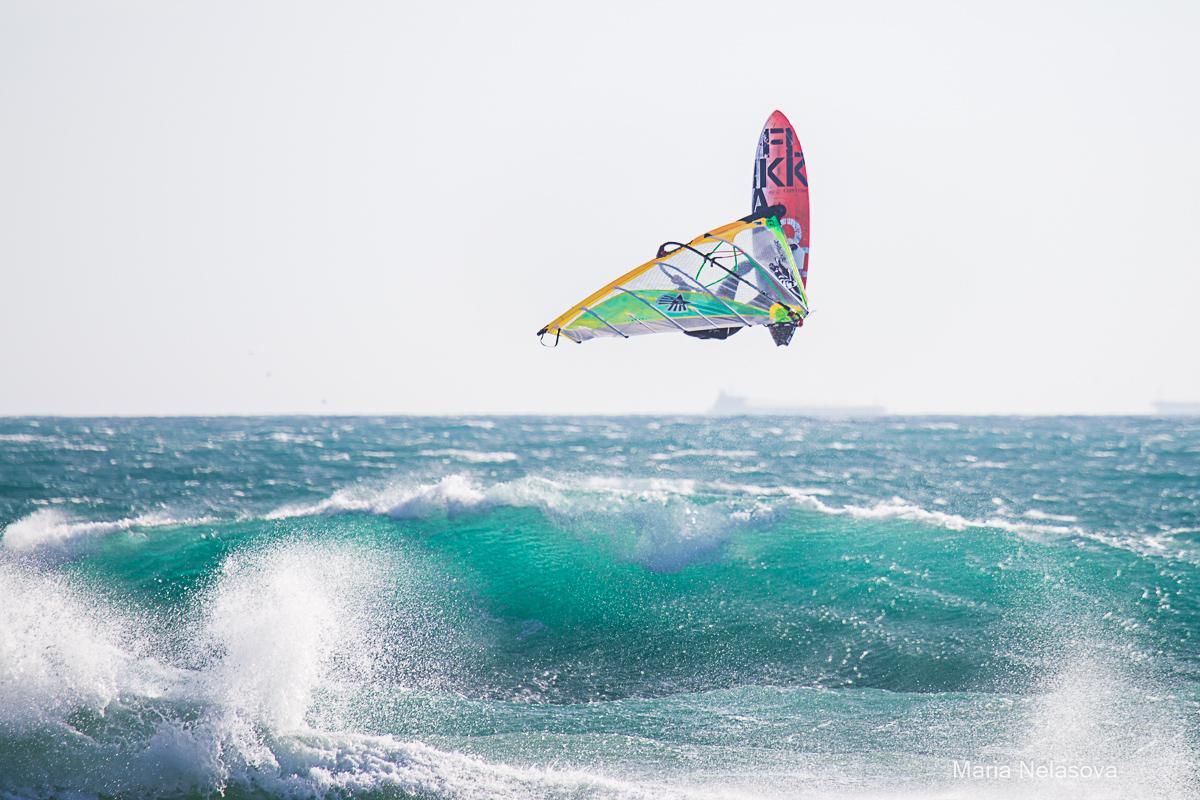 Экстремальный спорт на Чёрном море, фотография из блога Марии Неласовой https://windtravel.livejournal.com/