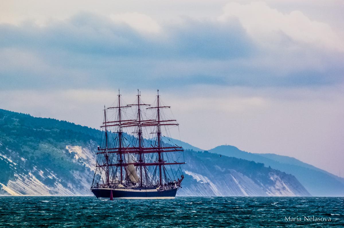 Фото корабль в море