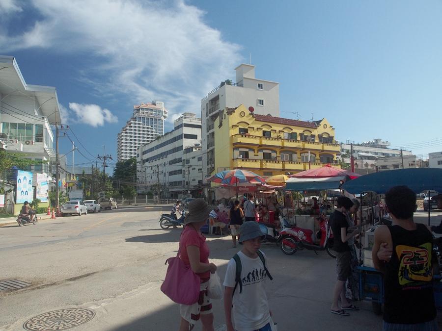 tourist_maka_900x675