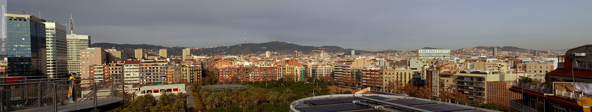 Barcelona from the roof of Arena