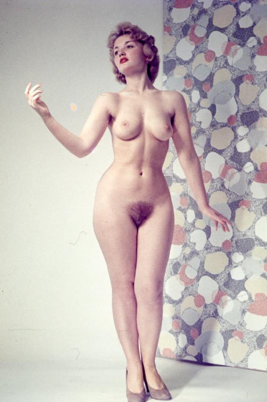 голые девчонки фото ретро - 6
