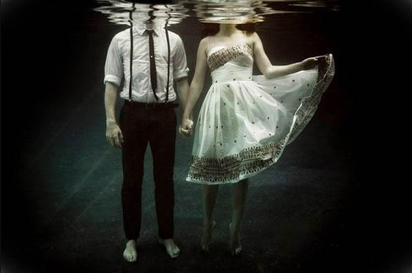 Может любовь - это зомбирование?