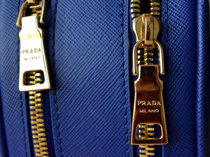 2b50d02031a5 В Китае есть рынки подделок, где можно купить копии известных брендов,  иначе это был бы не Китай.