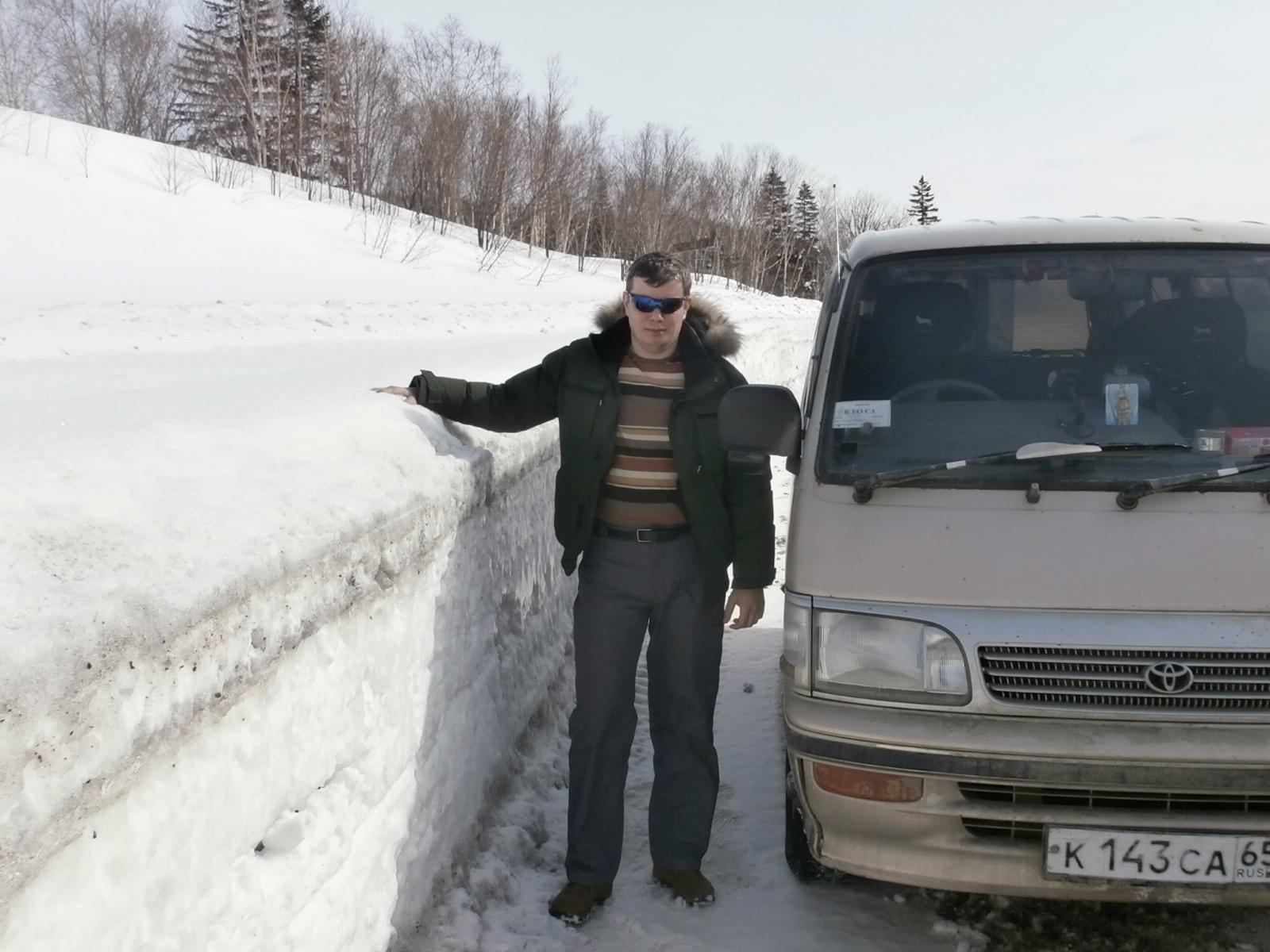 снега намело-дорога