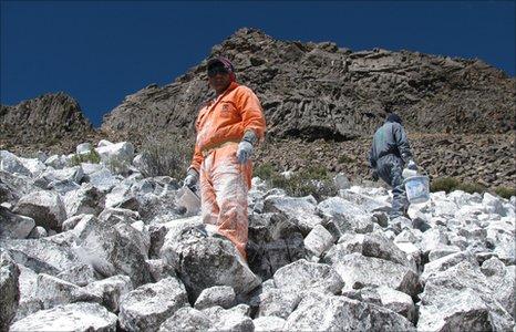 Покрасить горы в белый цвет