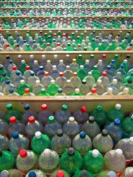 Плот из пластиковых бутылок