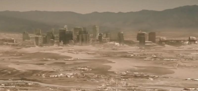 Развалины города Феникс, затерянного в в безжизненной пустыне
