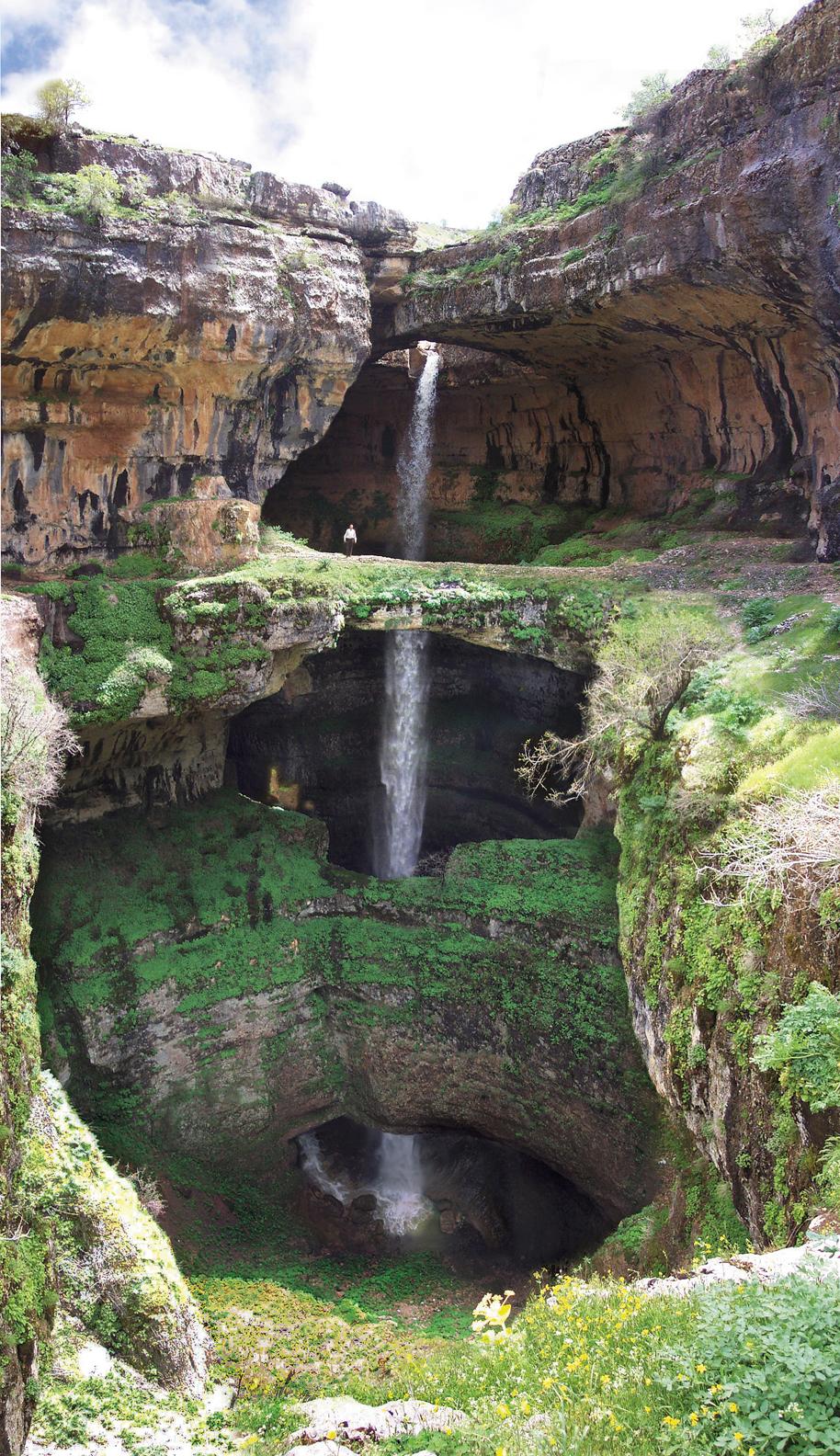 Водопад у Tannourine в Ливане