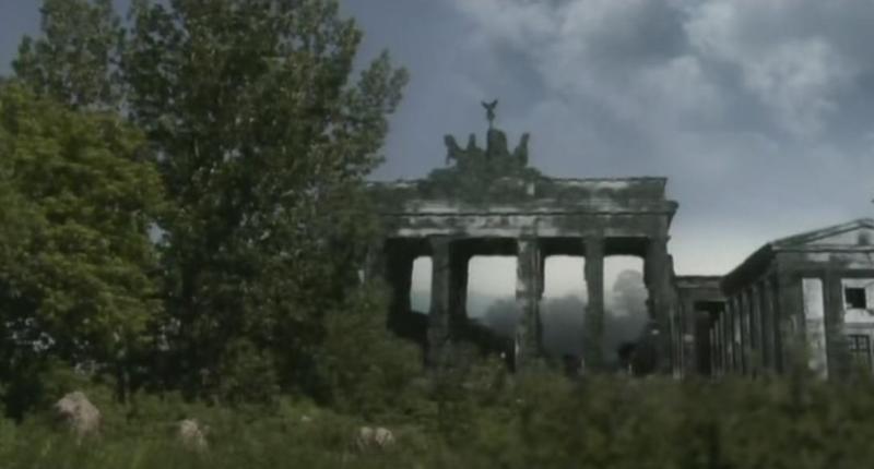 Бранденбургские ворота после исчезновения человека