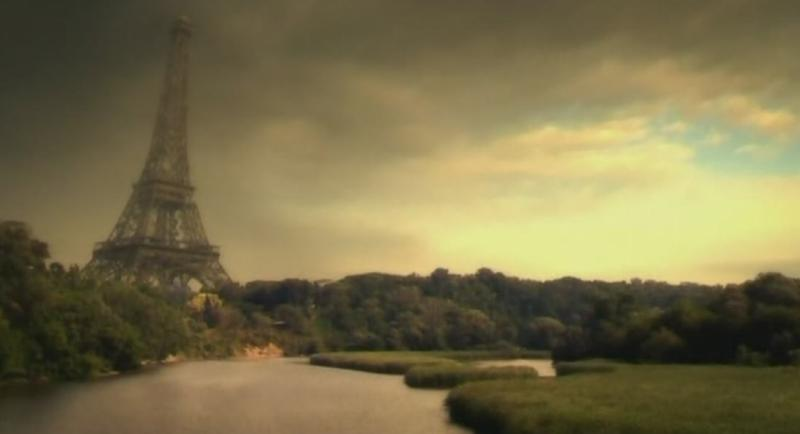 Покосившаяся Эйфелева башня