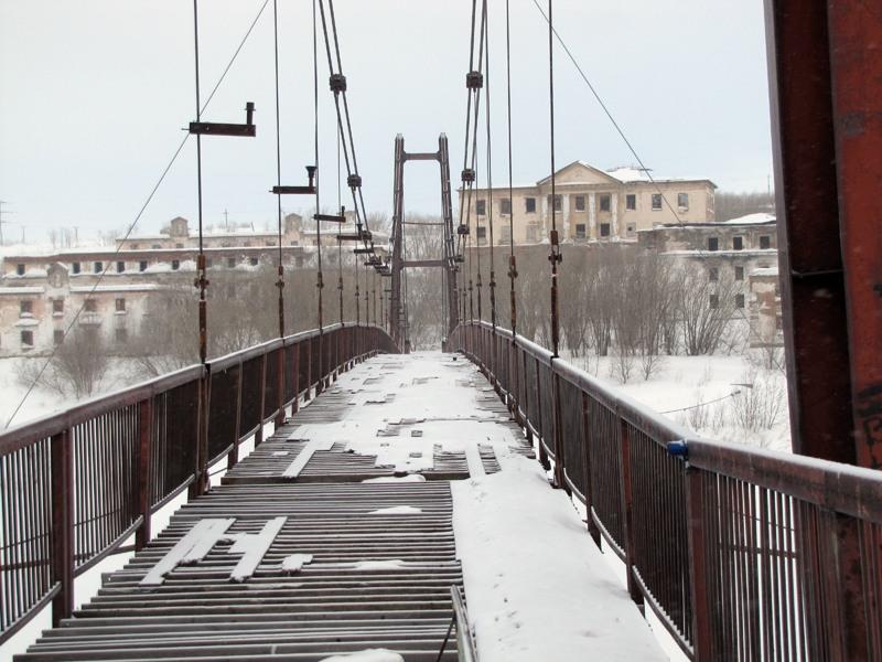 Состояние моста к заброшенному району