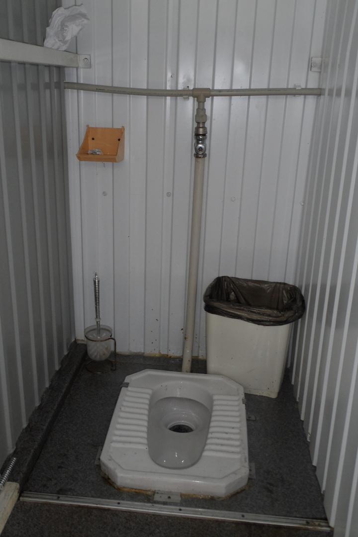 Туалеты вблизи стадионов во время проведения Чемпионата мира по футболу в Польше