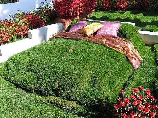 Зелёная кровать