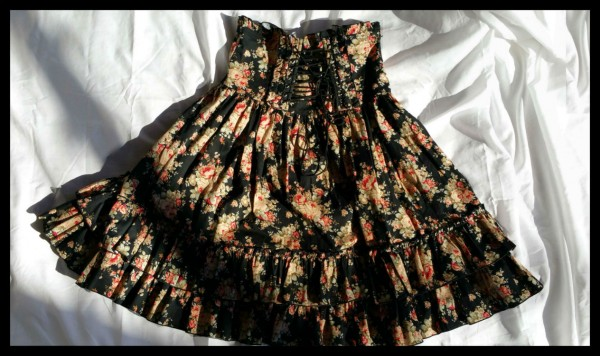 Bodyline Floral Skirt Black1