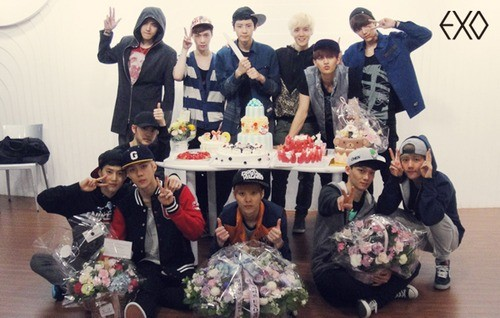 130408 Exo's 1st anniversary messages - OMONA THEY DIDN'T ...