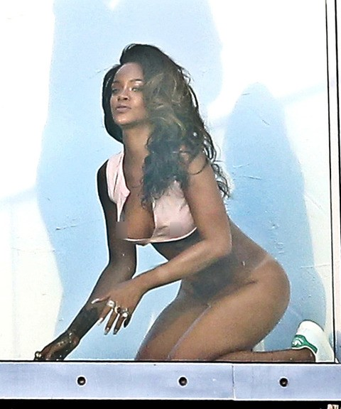 Rihanna nuda sexy foto porno, porn older young