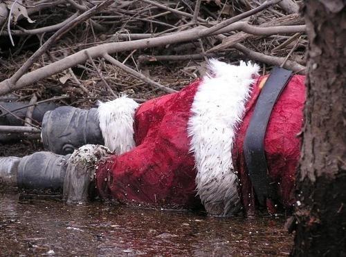 Дед Мороз мертвый