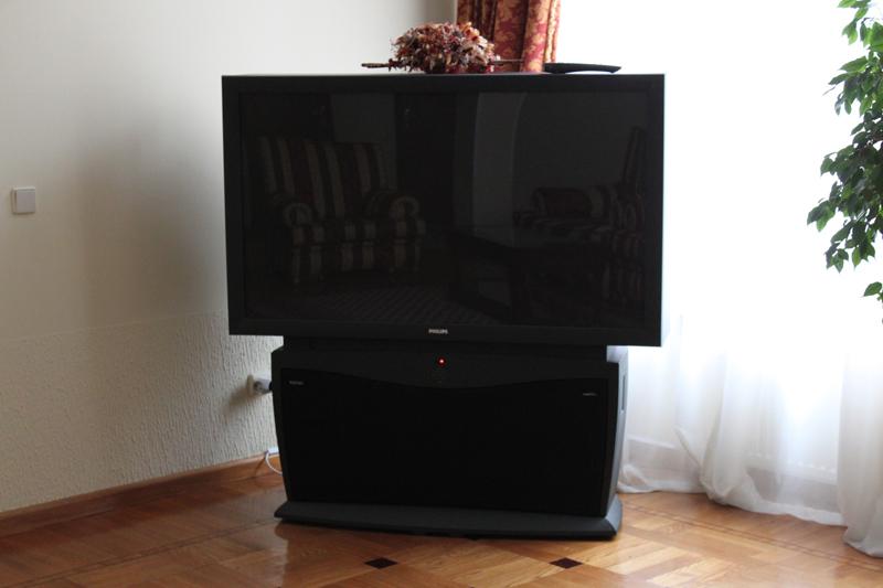 porno-video-orgii-molodih-v-saune-snyala