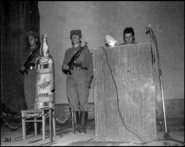 Суд над водкой в Баграме (фото из альбома 345 опдп)