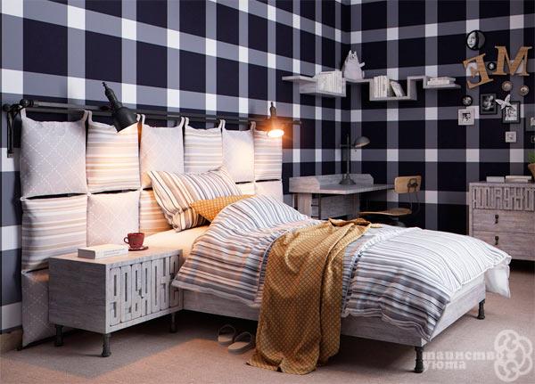 Подушка на стену